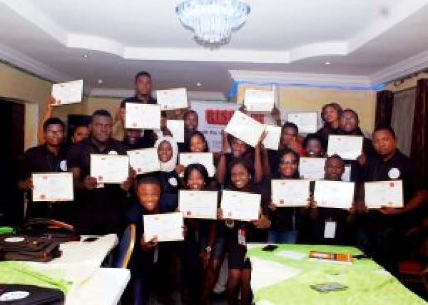 The Fellows of The Nigerian Student Leaders Program displaying their Certificates of Fellowship #NSLP2016