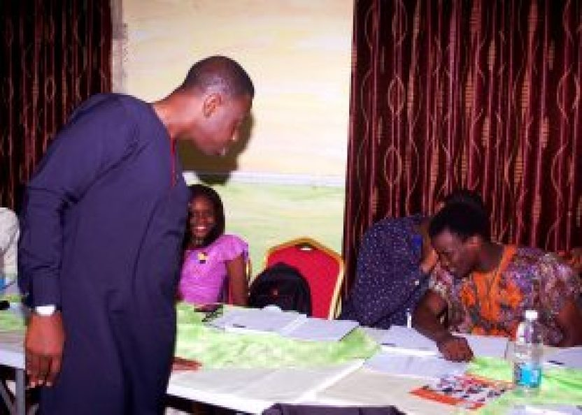 TNSLP Facilitator, Mr. Olakunle Soriyan supervising a class exercise during The Nigerian Student Leaders Program Boot Camp. #NSLP2016