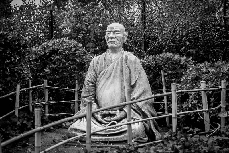 japanese-statue