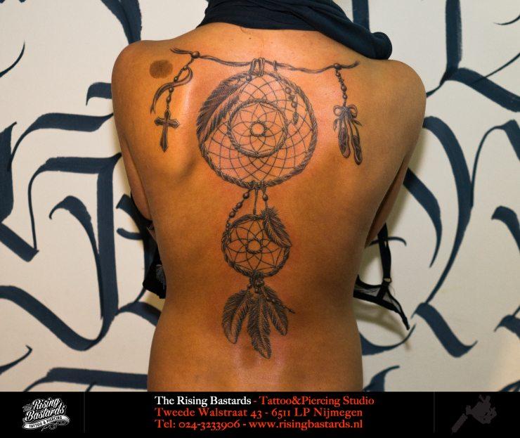dreamcather_tattoo_dromenvangertattoo_feathertattoo_veertattoo_nijmegen_arnhem_tattooshop_arnhem
