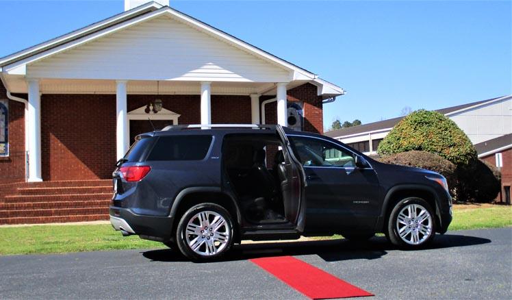 Basic SUV - GMC Acadia / Seats 6 max