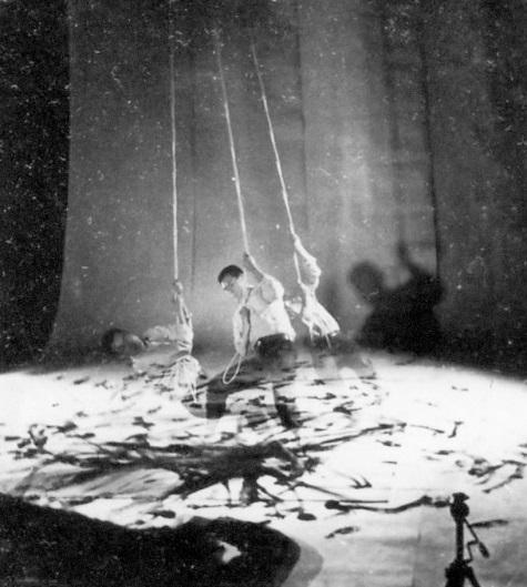 4 Gutai Kazuo Shiraga-Rope