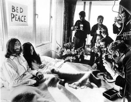 f 24 Yoko ono bed-in-