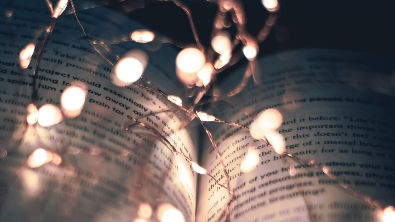 THE BEST IN FICTION 2020: FAVORITE READS OF THE YEAR! Talking the best of fiction 2020 reading! What did you love this past year? © Rissi JC