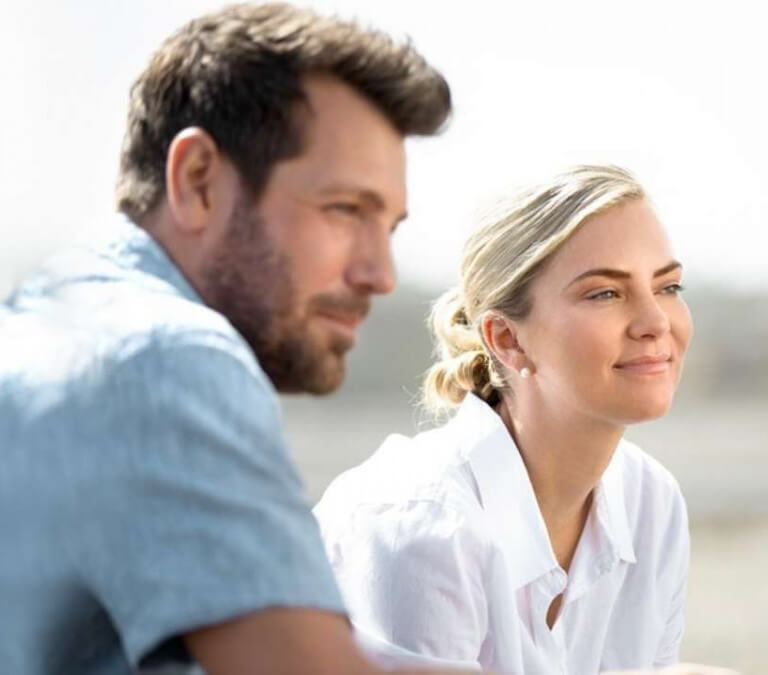 'HEARTS DOWN UNDER': ENJOY A VISIT TO BEAUTIFUL AUSTRALIA. Cindy Busby stars in this Australian romance. All text is © Rissi JC