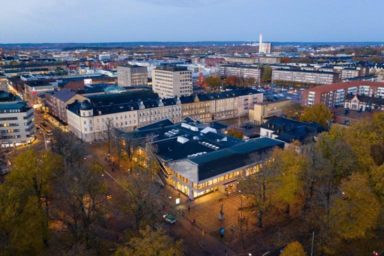 Drönarfoto av Norrköpings stadsbibliotek.