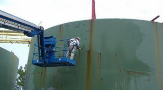 Serbatoi contenenti prodotti chimici e carburanti 05