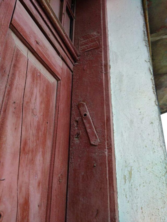 На одвірках осель юдеїв кріпили мезузи – капсули із молитвою-благословенням. У Скалі можна побачити одну таку. Решту вже демонтували. - фото 64307