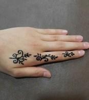 14.мехенди на руке для начинающих