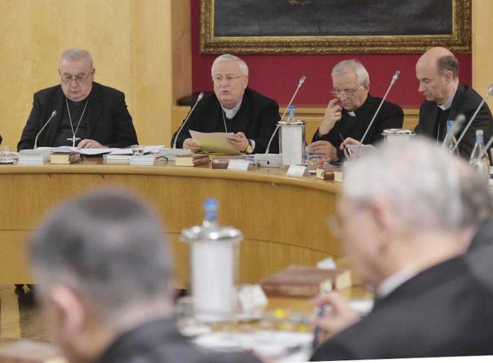 Il presidente della Cei, Cardinal Bassetti, al consiglio permanente