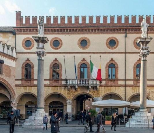 Il palazzo del Comune a Ravenna