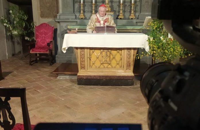 Il cardinal Bassetti nella Messa di ieri nella Cattedrale di Perugia