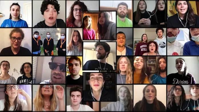 Un'immagine del video dell'ultima canzone incisa