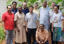 Suor Maria Rita Siboni (prima a dx) con alcuni sacerdoti e religiose in Brasile