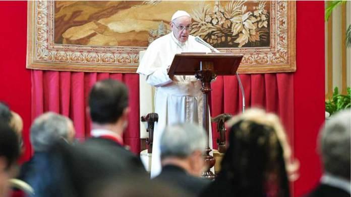 L'intervento di papa Francesco