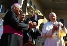 Papa Francesco durante una delle celebrazioni in Iraq