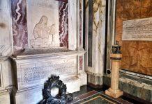 L'interno della tomba di Dante