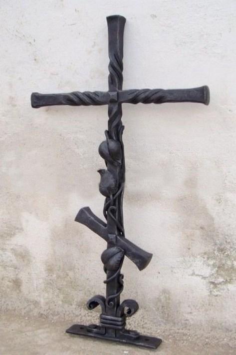 Кованый крест 7