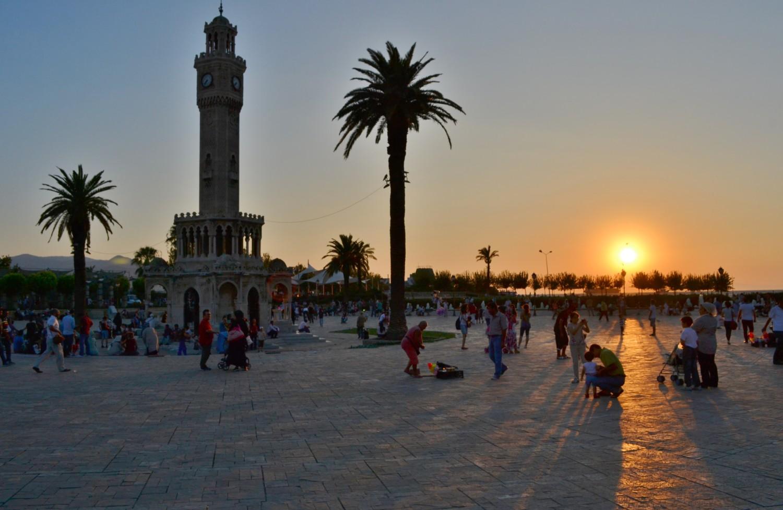 Konak Square al tramonto