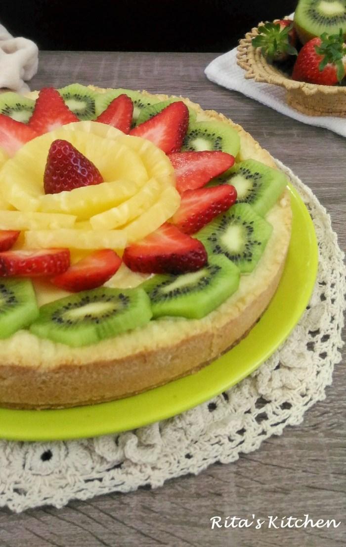 crostata con ricotta e frutta
