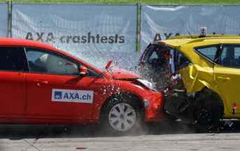 crash-test-collision-60-km-h-distraction-163016.jpeg