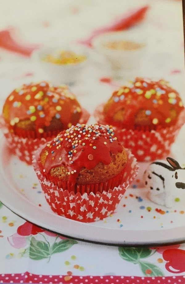 Red Iced Mini Cupcakes