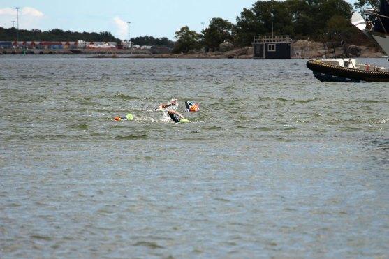 Schwimm-Lauf-Wettbewerb im Hafen von Karlskrona