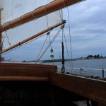 Boot mit Leuchtturm