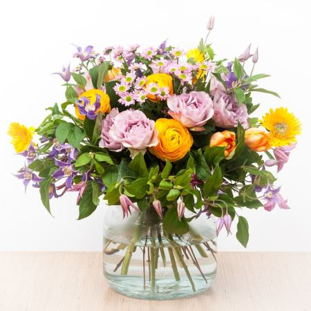 Šilta gėlių puokštė