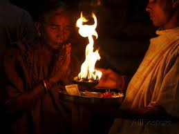 The ritual of Performing Aarti