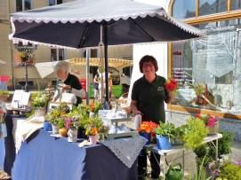 Verkauf von Kräutersträussen in Greiz Wochenmarkt 17.07.2020