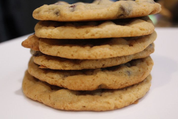 Bea Bakes Chocolate Chip Cookies! Video