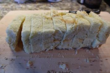 sliced bioche bread