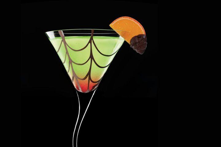 Midoris-SpidersKiss-Cocktail-56a175465f9b58b7d0bf7581