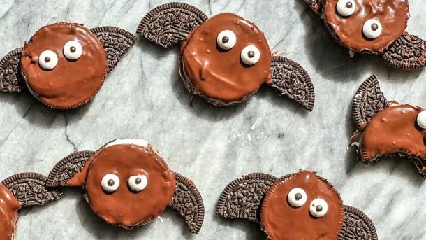 Oreo bat cookies