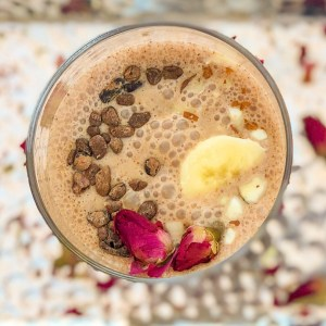maca smoothie with raw cacao