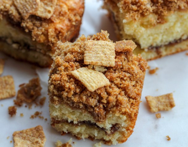 cinnamon toast crunch streusel cake