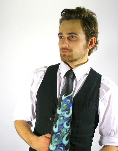 Peacock tie