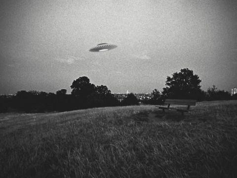 Roswell UFO 추락 : '비행 접시'사건의 진실은 무엇입니까?