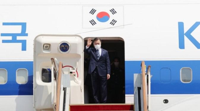 [Editorial] Presiden Moon menuju ke Washington dengan tugas 'vaksin dan perdamaian'