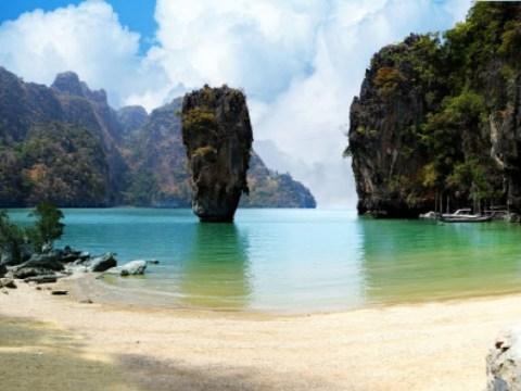 Phuket Thailand mengizinkan masuk tanpa karantina bagi orang asing yang divaksinasi pada bulan Juli
