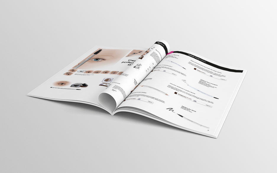 Perfect-eye-brochure-mockup