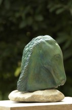 cheval mythologique en bronze