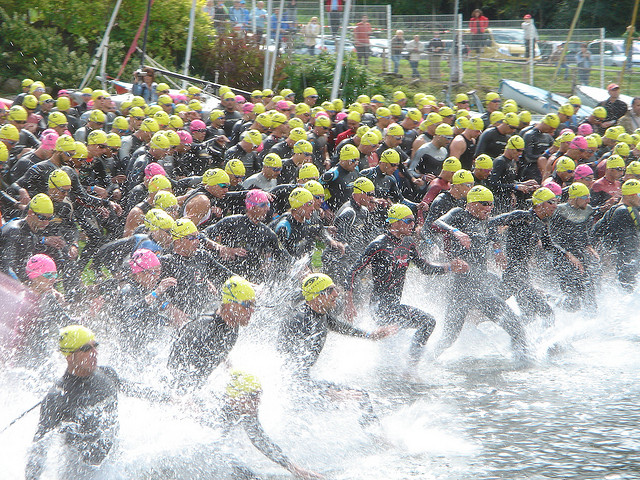 Triathlon Mass Swim Start