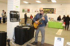 Jeff Bellanca, guitarist, provided live music.