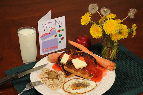 2014 0511 mothers day breakfast