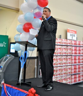 Walmart store manager Craig Winkler gives a speech at the new store Tuesday evening.
