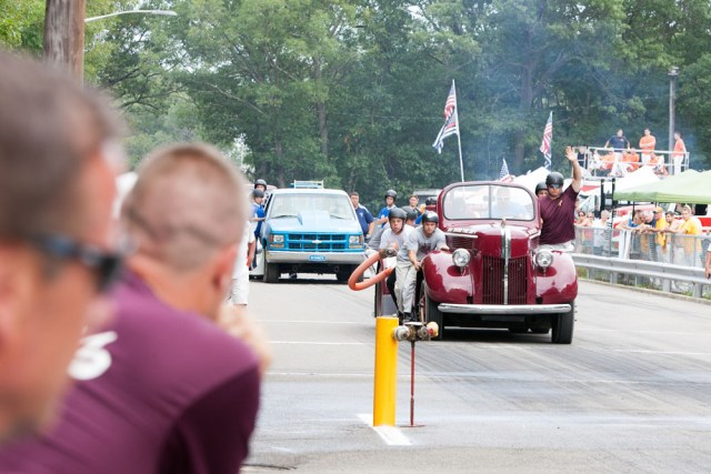 Bay Shore Redskins in motor pump competition.