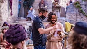 behind the scenes of the chosen, director dallas jenkins speaking with the actor playing jesus