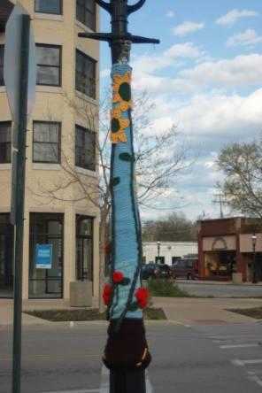 2014: Yarn bombs of the Riverside lanterns